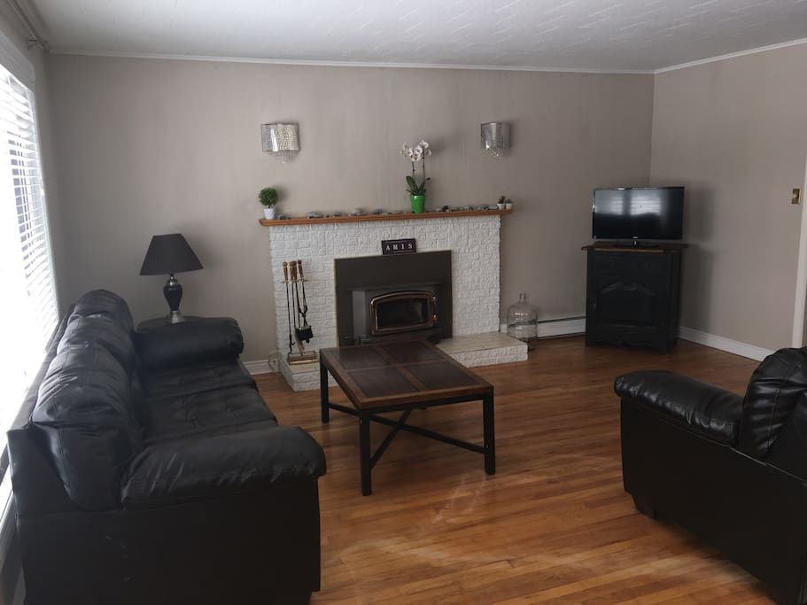 Living room, great for family evenings (upstairs)