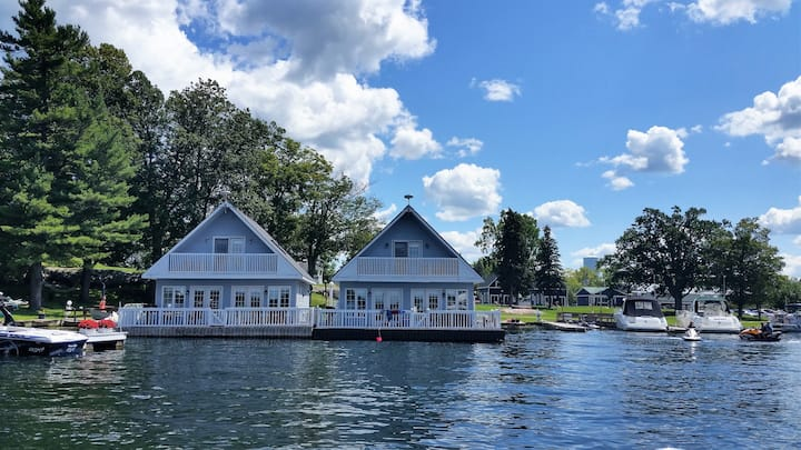 Lighthouse Cottage - The Ledges Resort & Marina