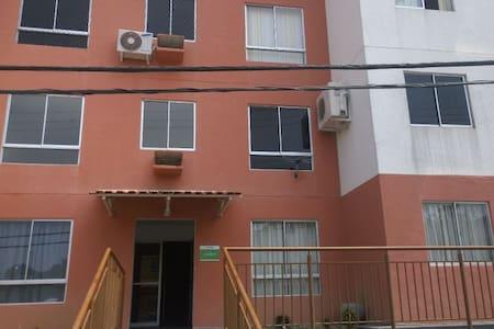 Ap 3 quartos para alugar - Tarumã Açú. Cond. Lírio