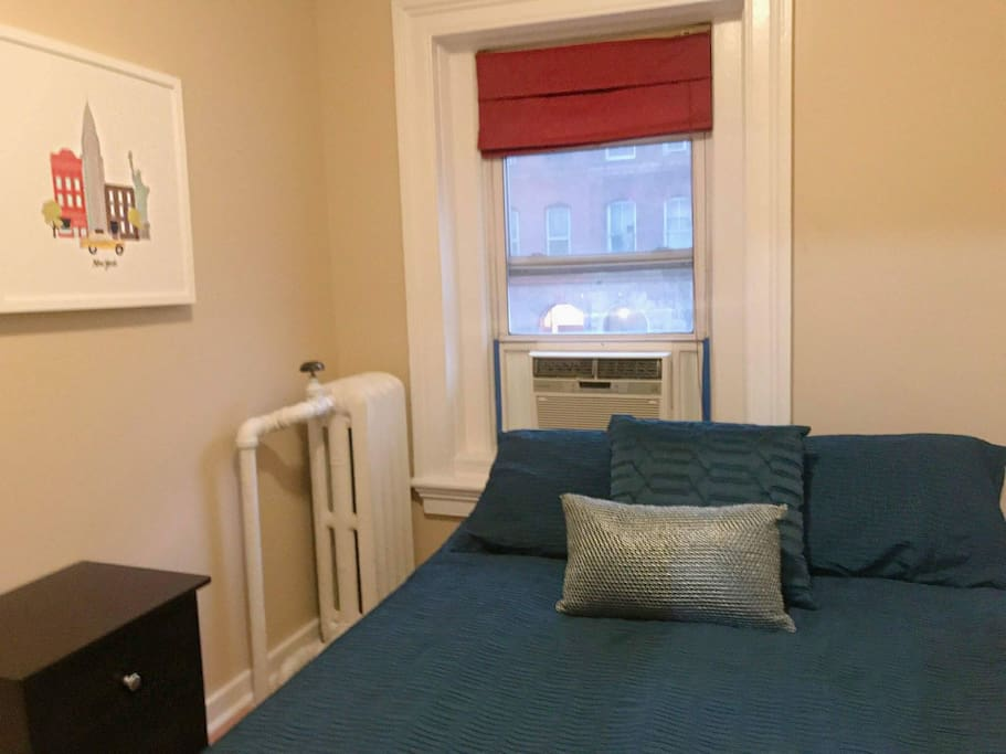 Looking For Room To Rent In The Bronx
