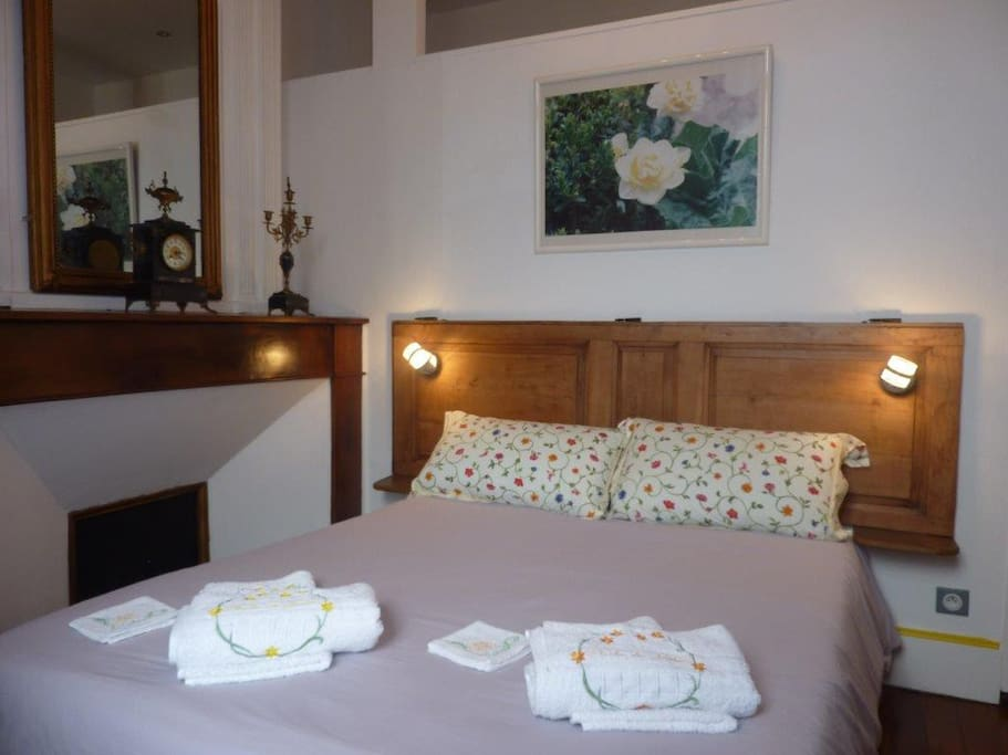 Chambre d h tes christiane collet chambres d 39 h tes for Chambre d hotes languedoc
