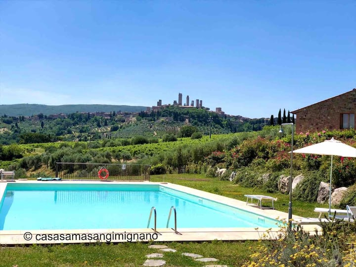 Tuscan Holidays, swimming pool and super view !