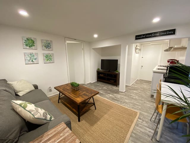 Steps to Noe Valley, Cozy one bedroom apartment