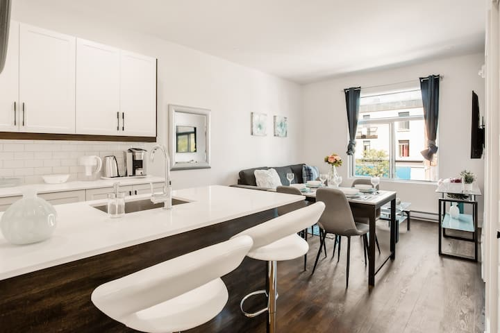 1Newly renovated one bedroom apartment in the heart of mile end