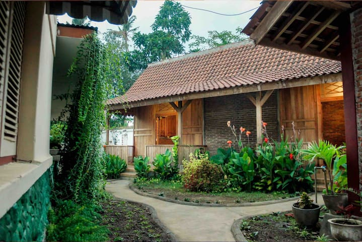 Airbnb Gilimanuk Vacation Rentals Places To Stay
