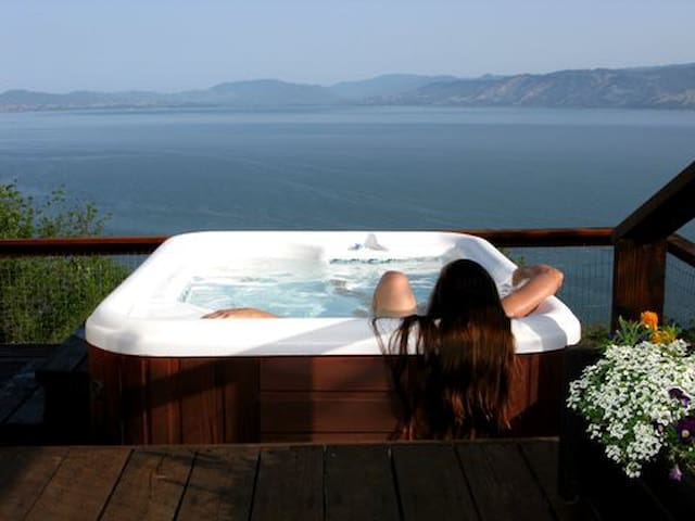 Million Dollar Views of Clear Lake with Hot Tub - Kelseyville - Casa