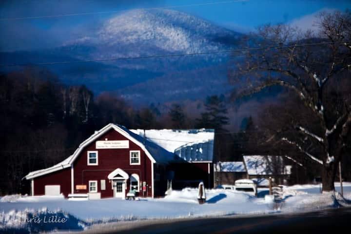 Studio Suite with Vermont Style & Amazing Views