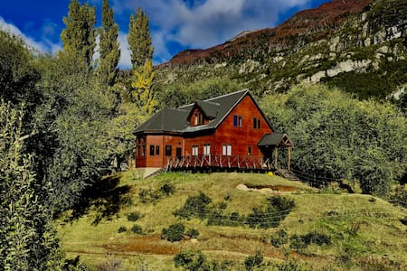 Refugio Lodge - Red Room - Meals Included*