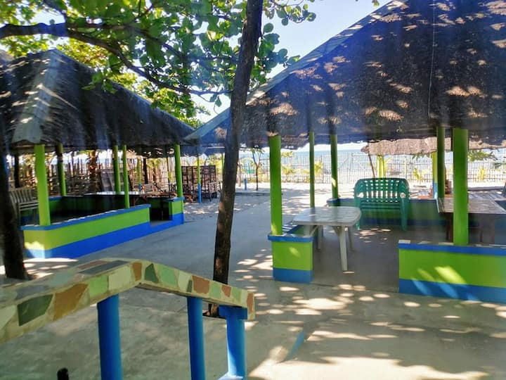 Triple J Beach House - Cabangan