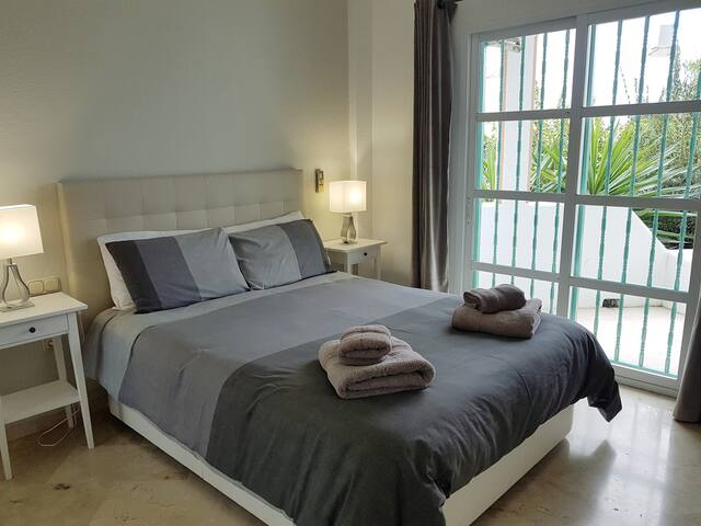 Beautiful holidays flat to rent in mijas