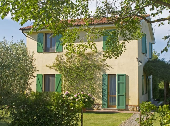 SCANSANO HILLS SEA MAREMMA APARTMENT FOR RENT
