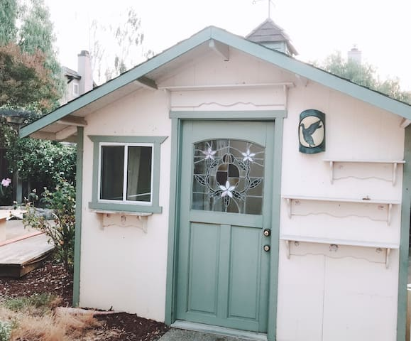 Private Cottage room in garden Livermore near SF
