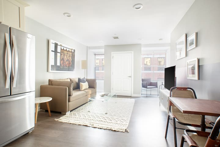 Sonder | Financial District | Iconic 1BR