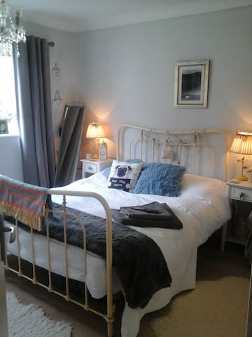 A small charming flat ,garden - Hastings - Apartamento