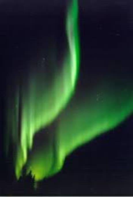Nordlyset kan ses når forholdene tilllater det