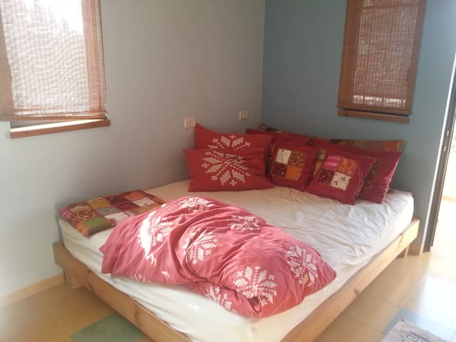 Comfortable room in a country home - Zikhron Ya'akov - Casa