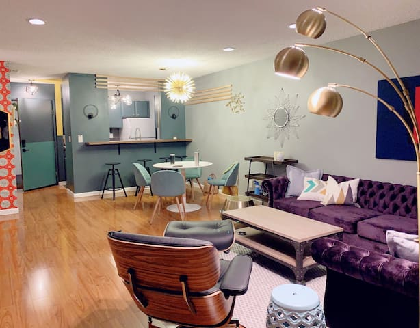 Fully updated modern style condo