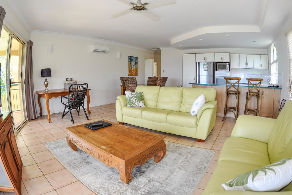 spacious lounge and dining area to relax and unwind with family or friends