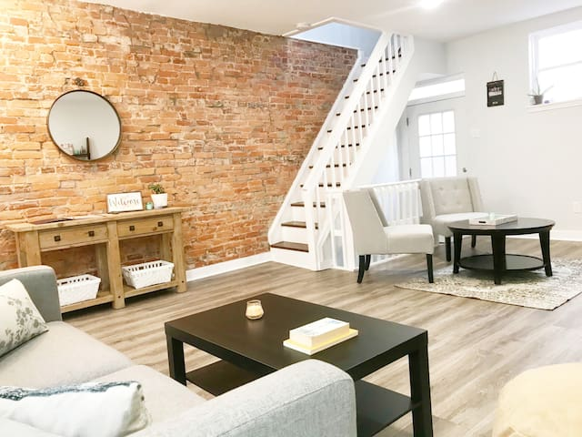Enjoy Philly in this Cozy and Quiet Home!