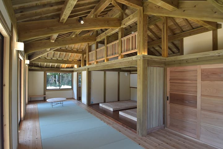 <白保別邸>最大5名様宿泊可能!海岸まで徒歩2分!静かな集落の赤瓦の伝統住宅です。