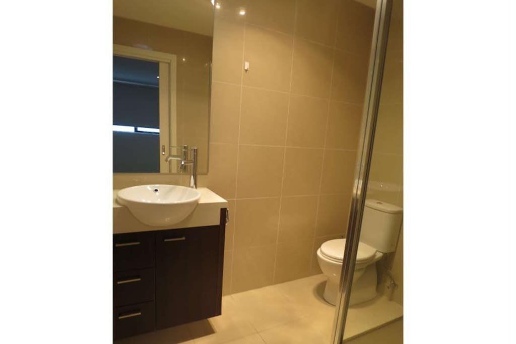 Brand-new private bathroom fit out!