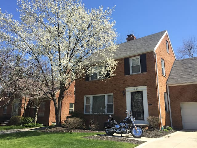 Rental for Republican Convention - South Euclid - Casa