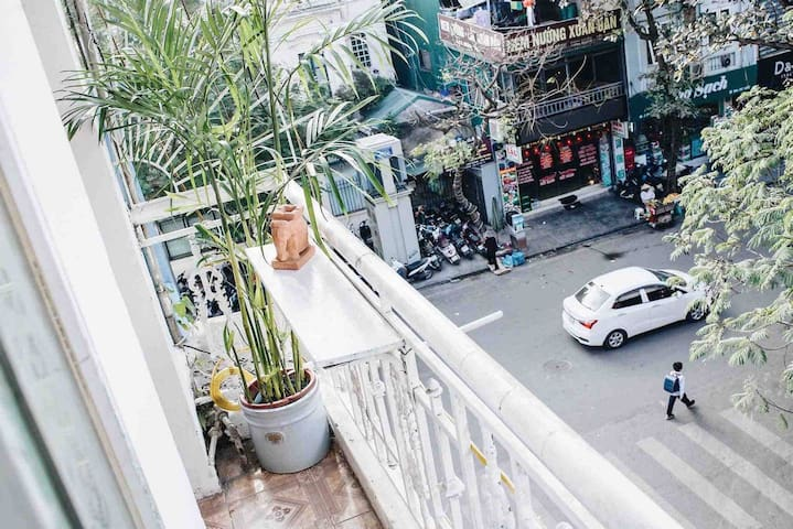 ★ French-colonial flat in central Hanoi ★