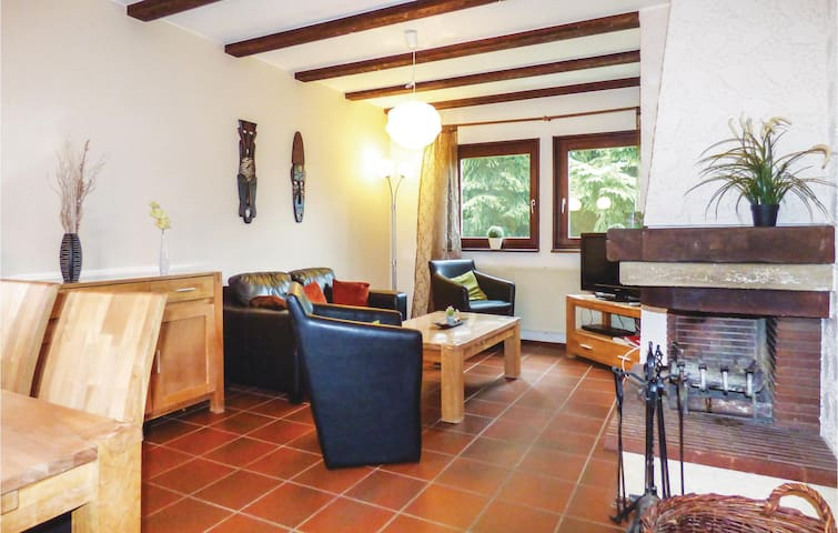 Holiday cottage with 2 bedrooms on 65m² in Thalfang