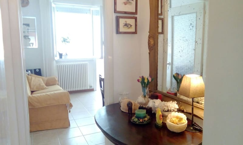 APARTMENT CLOSE TO THE BEACH - FREE PARKING - Jesolo - Apartment