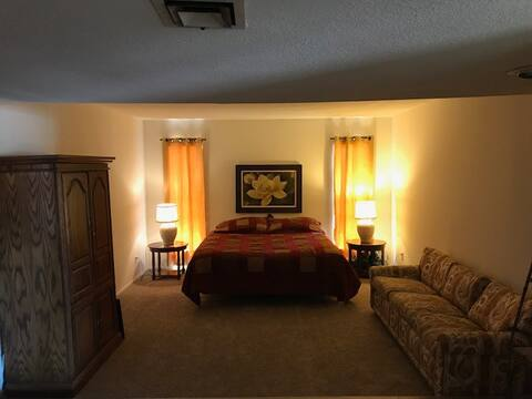 Ruby and Gold Room (Master Bedroom) Legacy House