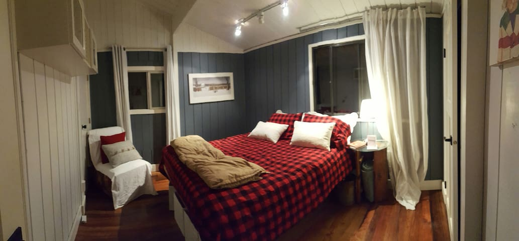 The Canmore Cabin - Canmore - Casa