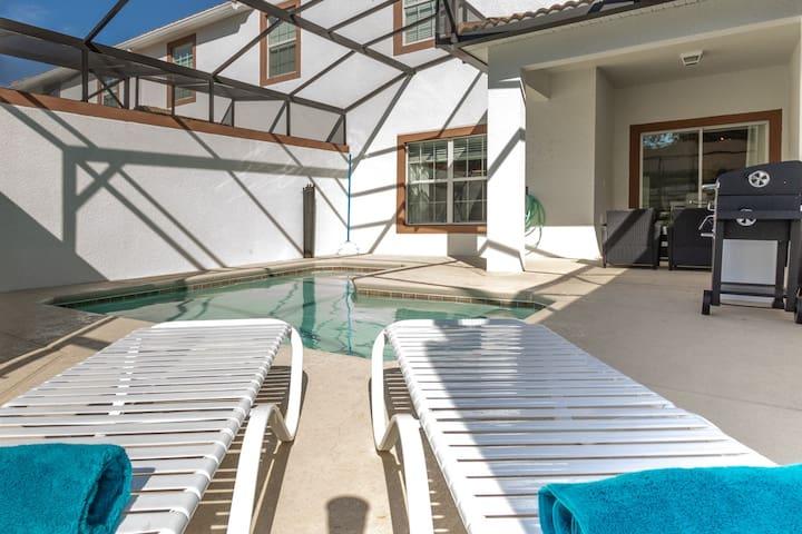 Champions Gate : 4BR/3Bath, Pool Home, near Disney