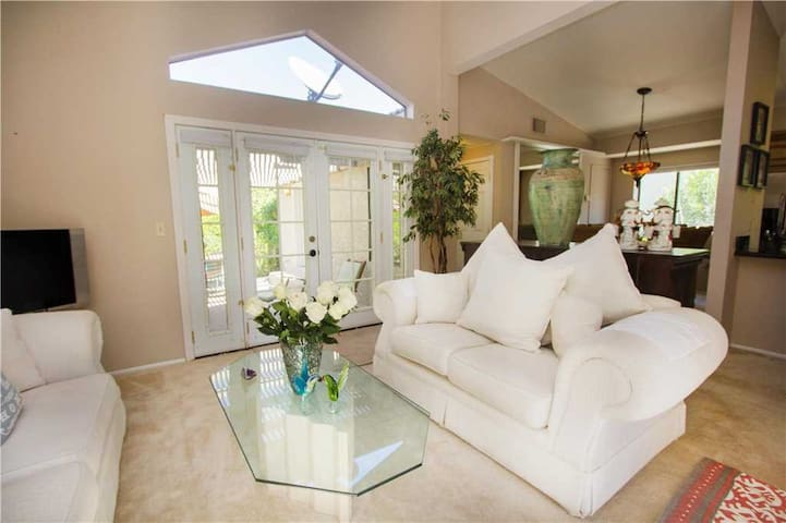 Gorgeous MonthlyVacational Home.,Tennis court.pool