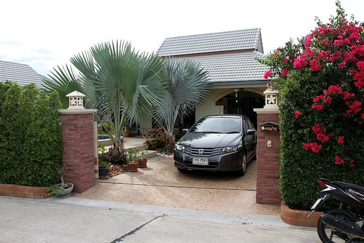 Stunning pool villa with smart design & decoration