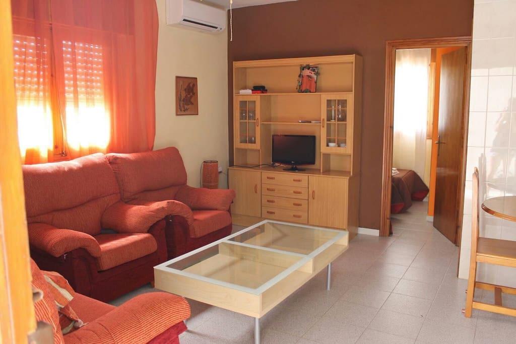 2 dormitorios muy luminoso apartamentos en for Pisos alquiler la isleta