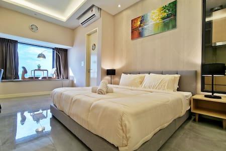 Classic White Pearl@Melaka City steps 2 Jonker#12