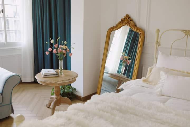 【遐想花园•Serein】梦幻两居室,影院式高清投影,适合拍照!长沙最有味道的老城区,需爬七楼哟~