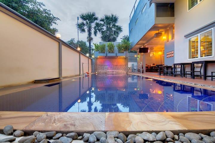 $3 per night with large pool @Siem Reap Pub Hostel