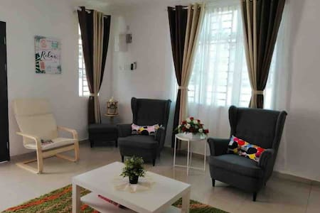 Ikea Inspired House Manjung Perak *WIFI included*
