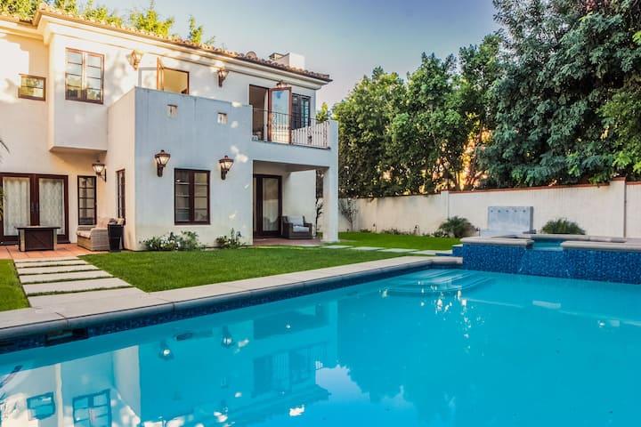 Gated Italian  Mansion Hollywood-Pool/Jacuzzi