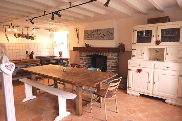 Relaxing rural family farmhouse gite