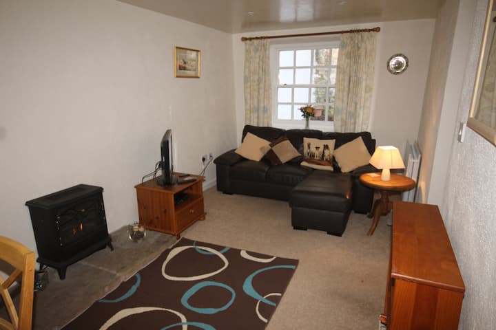 Groom's Cottage - A cosy base perfect for couples