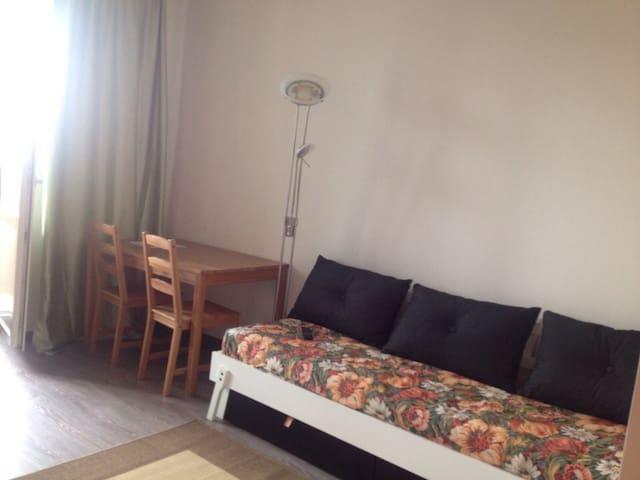 Квартира-студия, 30 кв. м. - Sankt-Peterburg - Byt