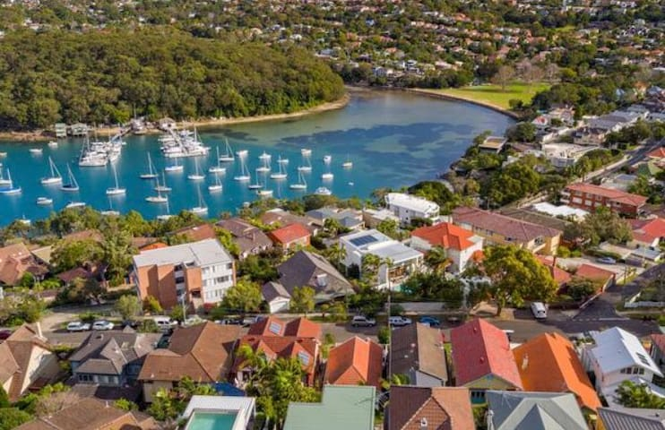 Beautiful Fairlight Home with some Harbour views