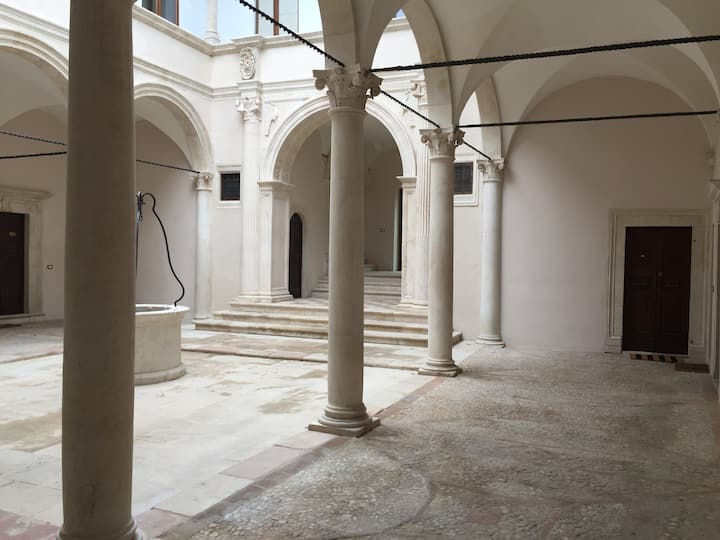 The Sound of Silence: apartment in historic palace