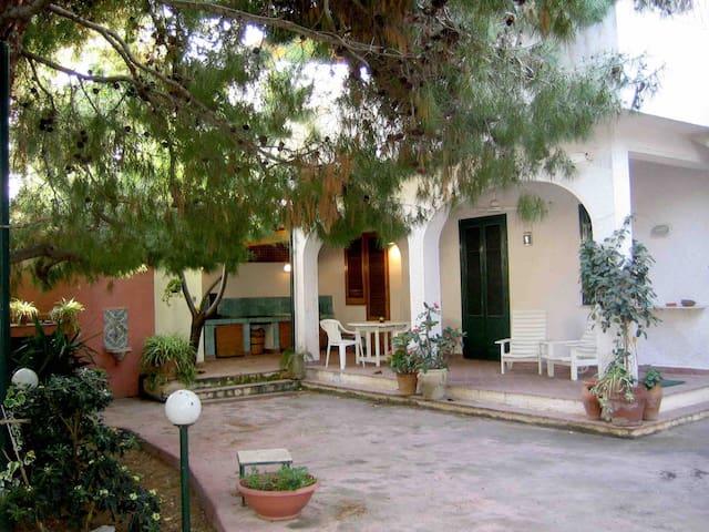Casa Isotta,50mt sea,garden,for 4