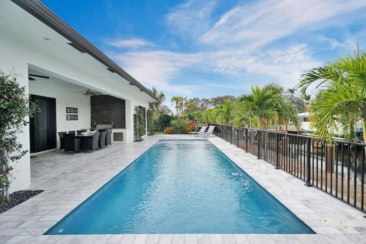Florida villa, 4 bedroom, 2 bath, 12 people