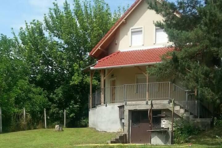 Cute Family House near Visegrád
