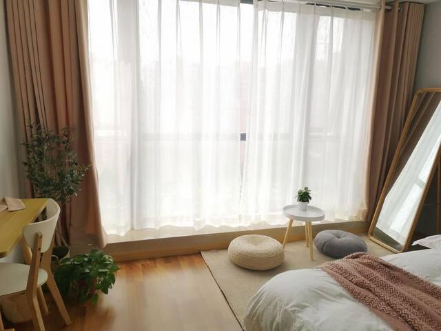 瘦西湖 万达广场 日式小清新 超大落地窗