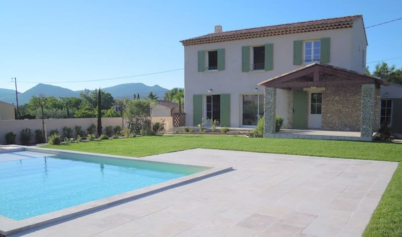 Villa l'Esterelle - Caromb - House